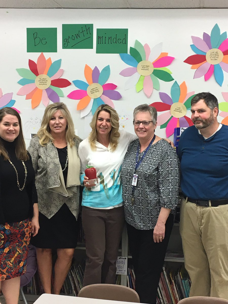 Mrs. Henry receives Leaders for Learning Award